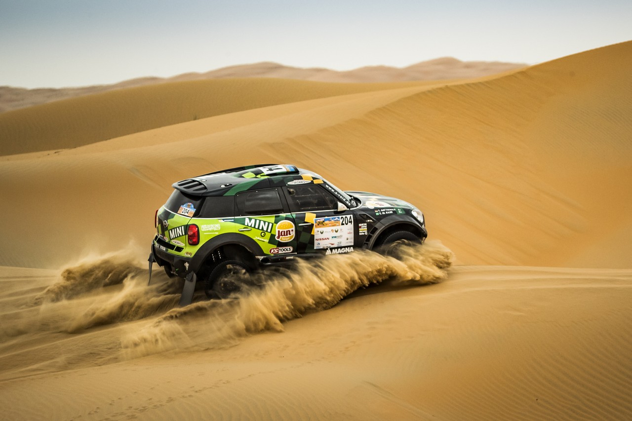 يزيد الراجحي ينتزع وصافة العالم في تحدي الصحراء بابو ظبي (10)