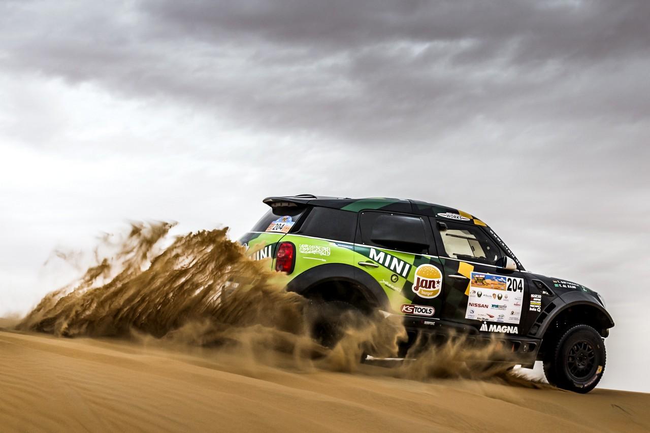 يزيد الراجحي ينتزع وصافة العالم في تحدي الصحراء بابو ظبي (11)