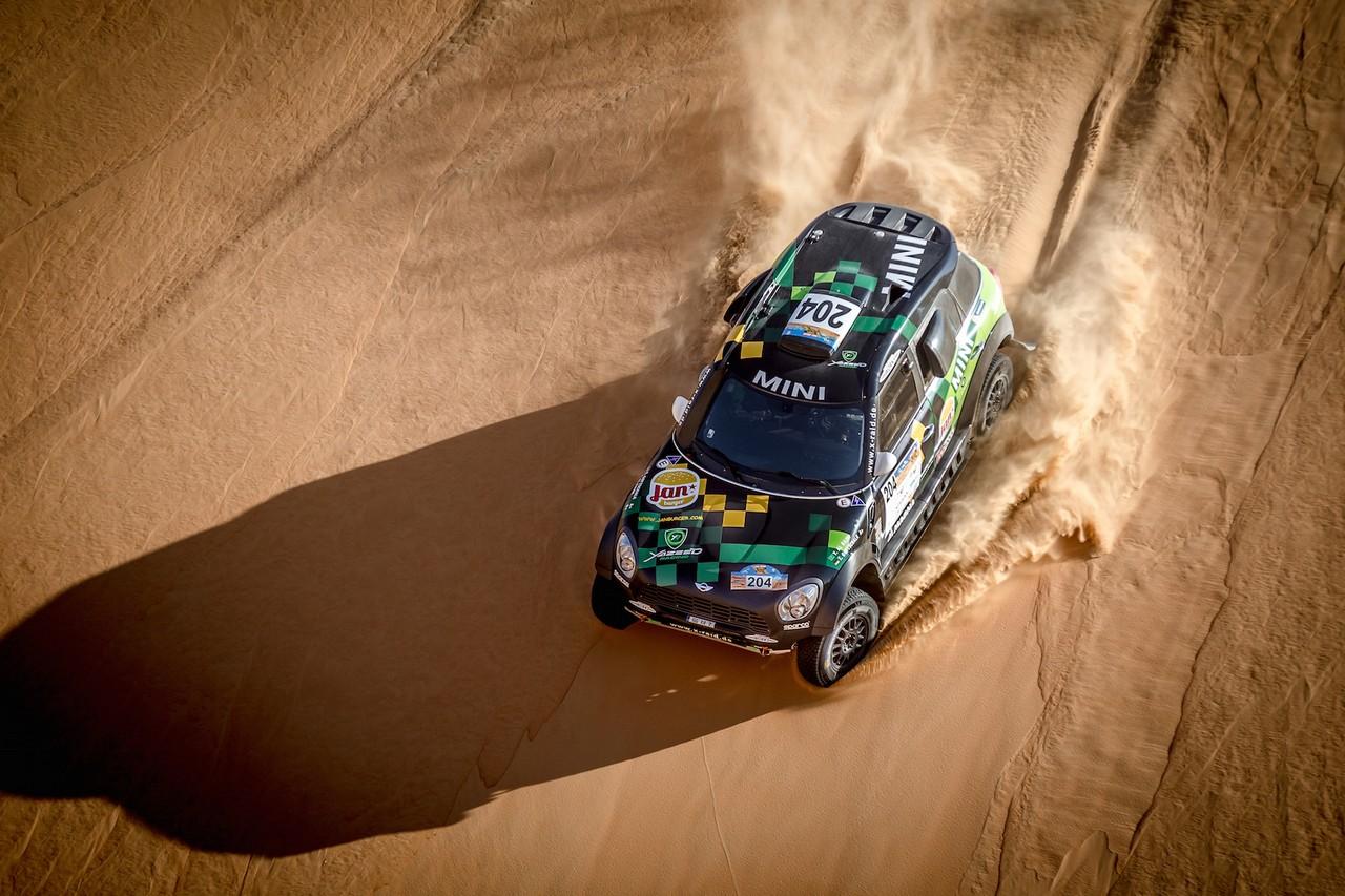 يزيد الراجحي ينتزع وصافة العالم في تحدي الصحراء بابو ظبي (16)