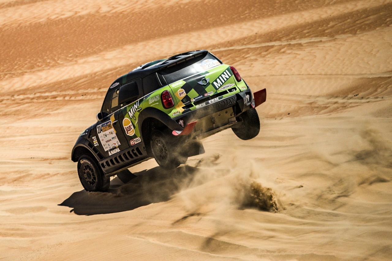 يزيد الراجحي ينتزع وصافة العالم في تحدي الصحراء بابو ظبي (20)