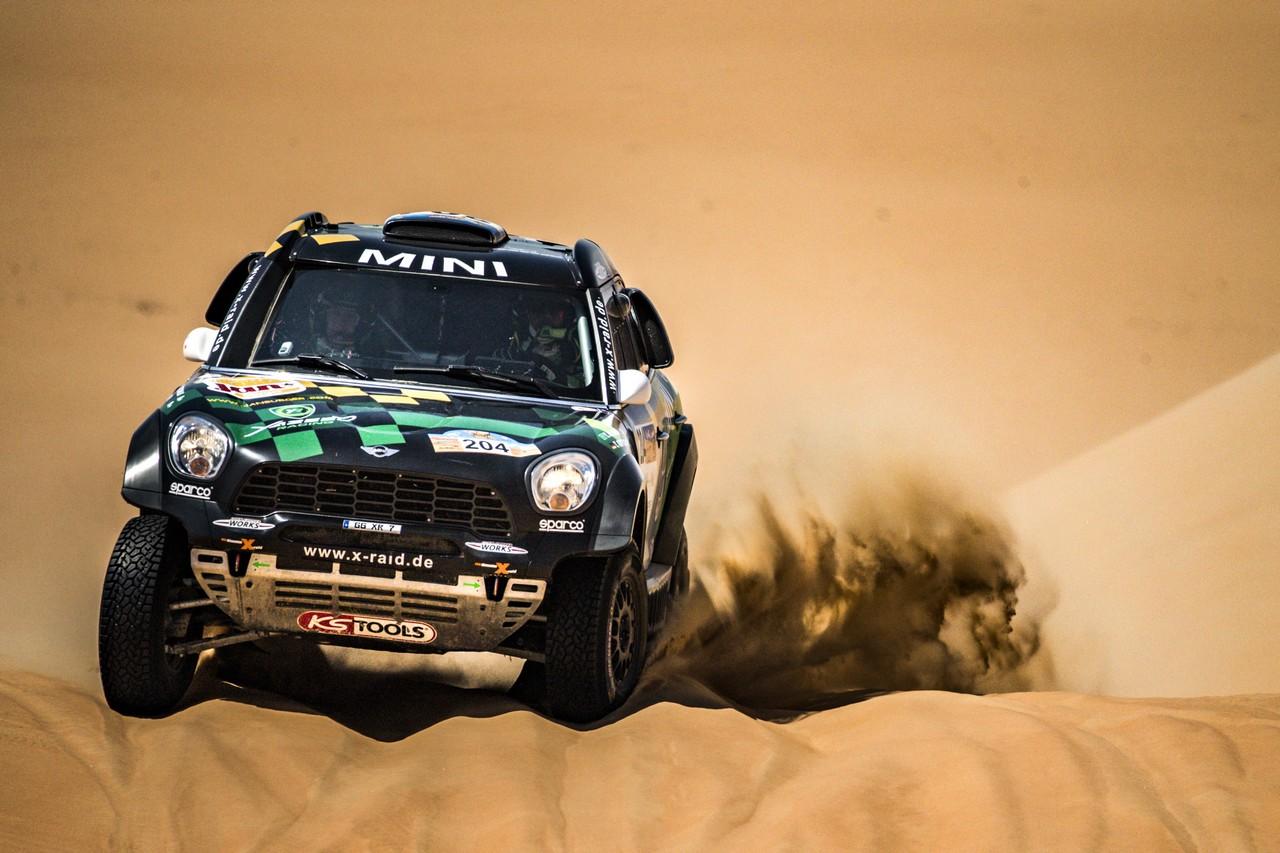 يزيد الراجحي ينتزع وصافة العالم في تحدي الصحراء بابو ظبي (22)