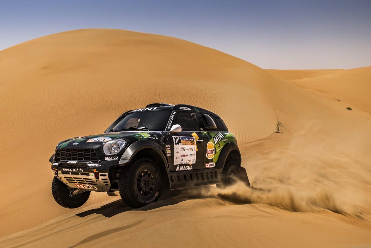 يزيد الراجحي ينتزع وصافة العالم في تحدي الصحراء بابو ظبي (23)