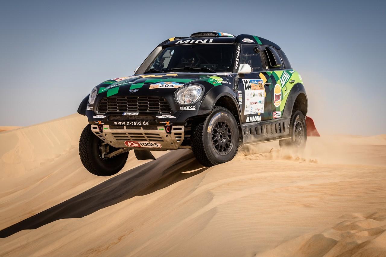 يزيد الراجحي ينتزع وصافة العالم في تحدي الصحراء بابو ظبي (26)