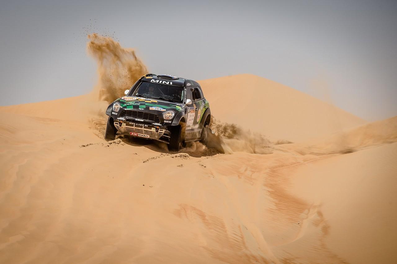يزيد الراجحي ينتزع وصافة العالم في تحدي الصحراء بابو ظبي (3)