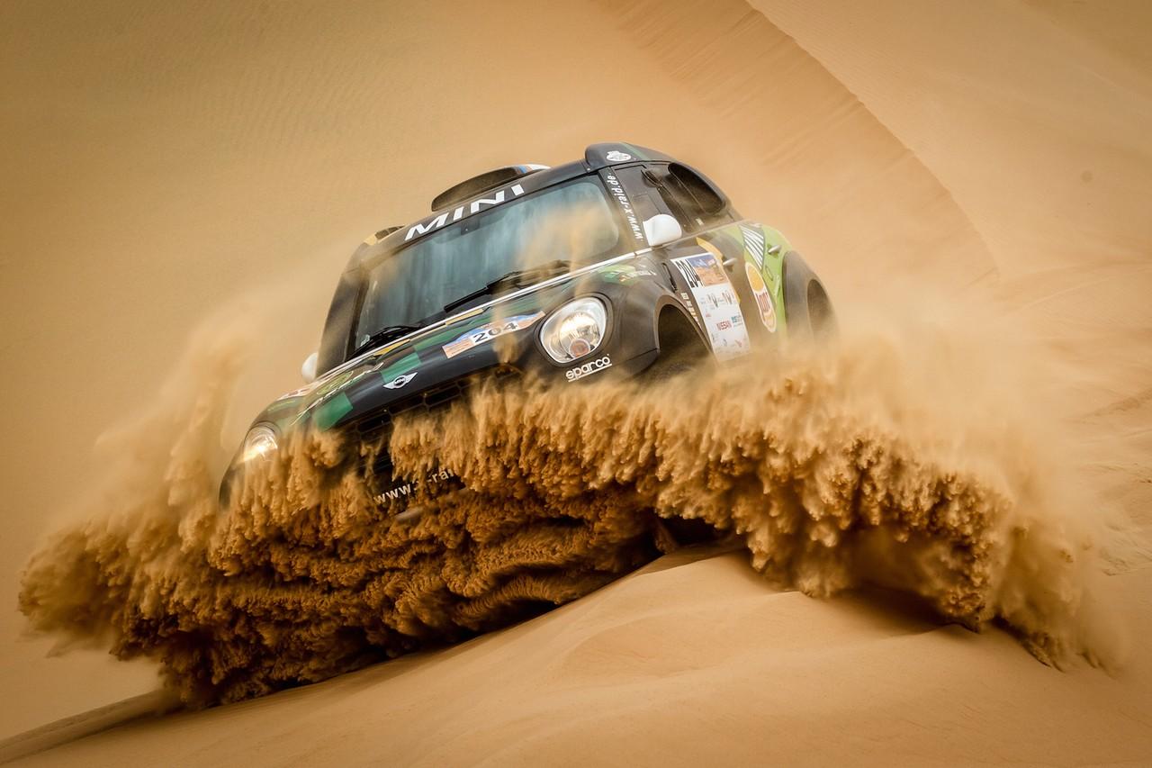 يزيد الراجحي ينتزع وصافة العالم في تحدي الصحراء بابو ظبي (7)