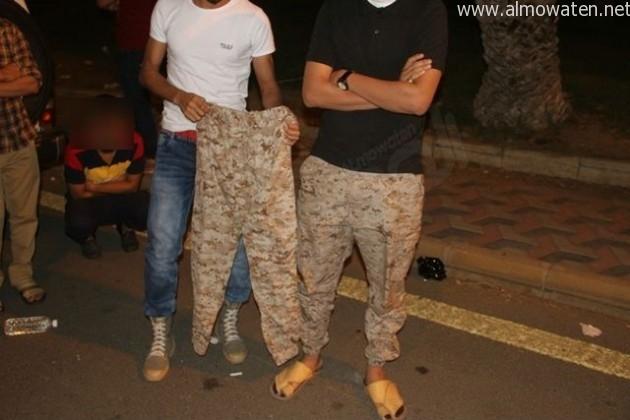 يمني-وسعودي-يرتديان-الزي-العسكري (4)