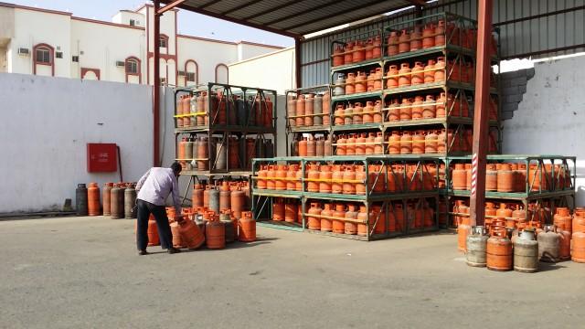 40 ريالا سعر اسطوانة الغاز في السوق السوداء بجدة