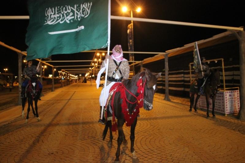 الفيصل يفتتح سوق عكاظ (18)