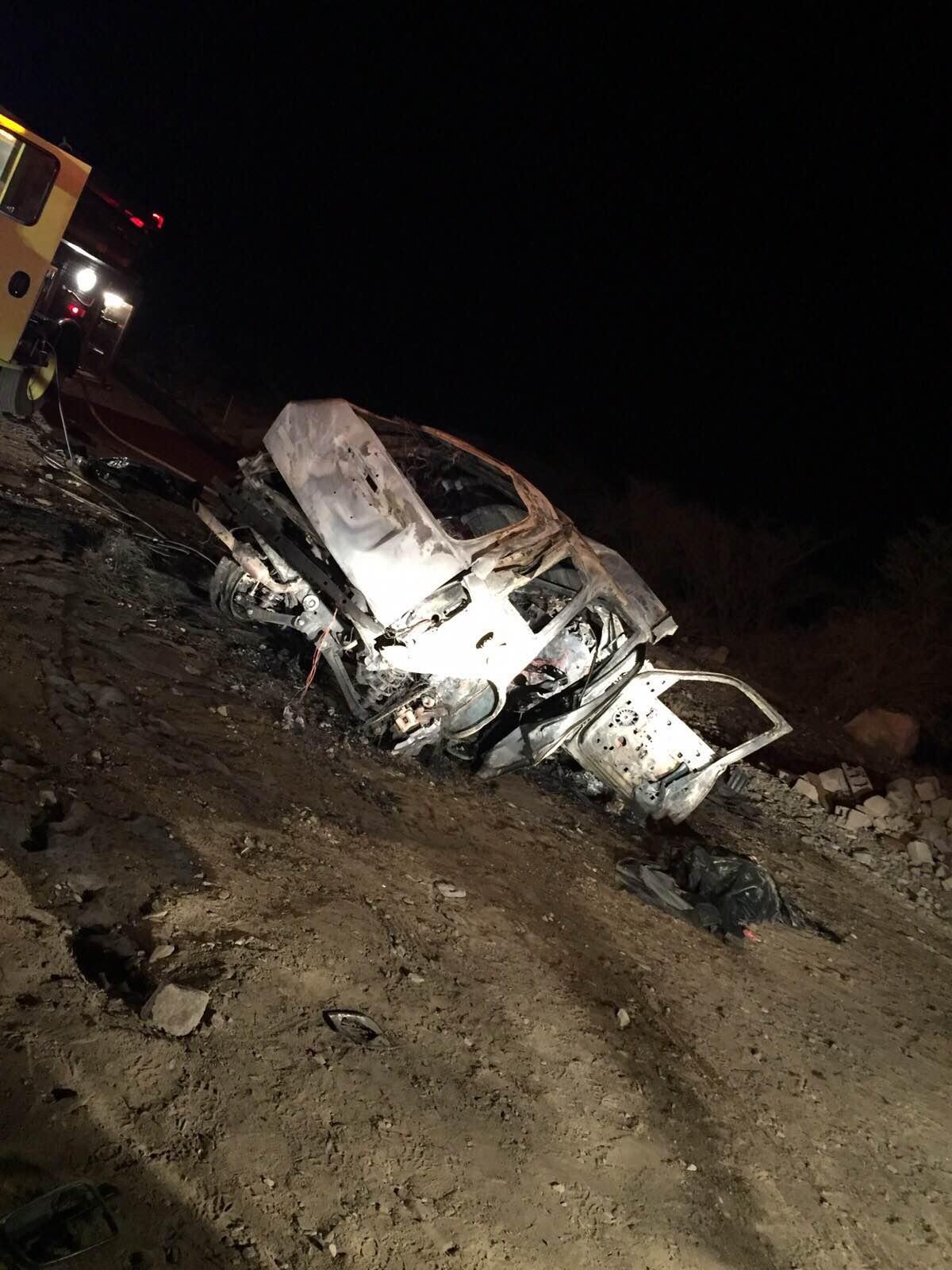 حادث مروع.. تفحم 9 أشخاص على طريق بيشة- خميس مشيط (2)