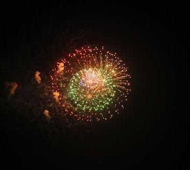 سماء الرياض تكتسي بالالعاب النارية (1)
