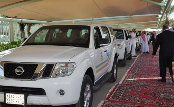 وزير الصحه يدشن سيارات (1)