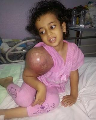 فايز المالكي يعرض سيارته للبيع لعلاج طفلة مريضة