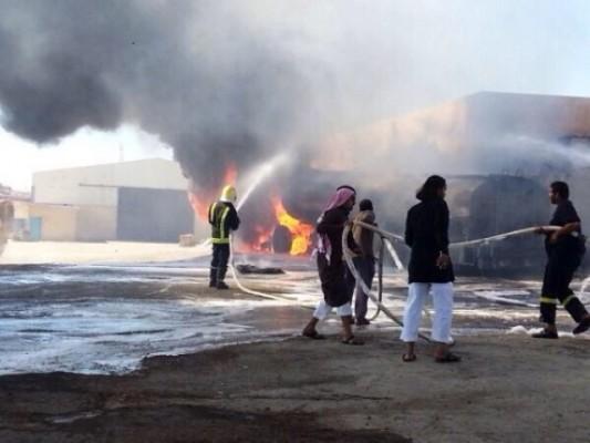 حريق بمحطة وقود حي الضيافة ومدني #المدينة يتدخل
