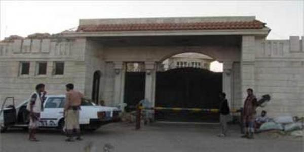 المقاومة-تسيطر-علي-القصر-الرئاسي-باليمن