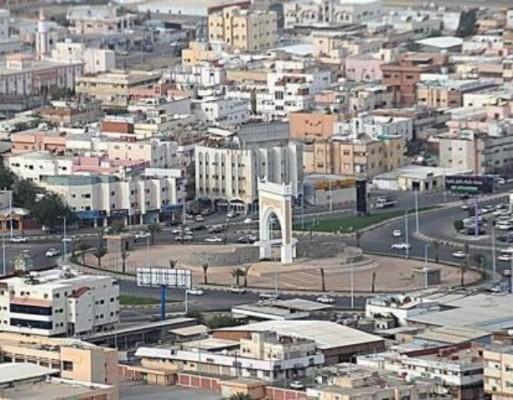 ضبط وكر للدعارة بجازان والقبض على 5 رجال و13 امرأة - المواطن