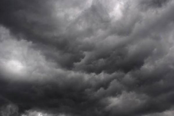 أمطار رعدية ورياح تحجب الرؤية على هذه المناطق - المواطن