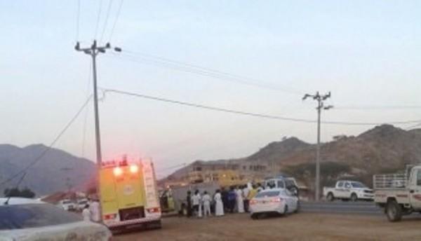 وفاة شخصين واصابة ١٣في حادثين فجرا بعسير (1)