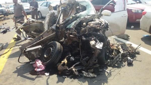 حادث شنيع يخلف وفاة وإصابة 4 آخرين بجازان (7)