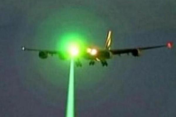 هبوط-طائرة-تبوك-بالقاهرة