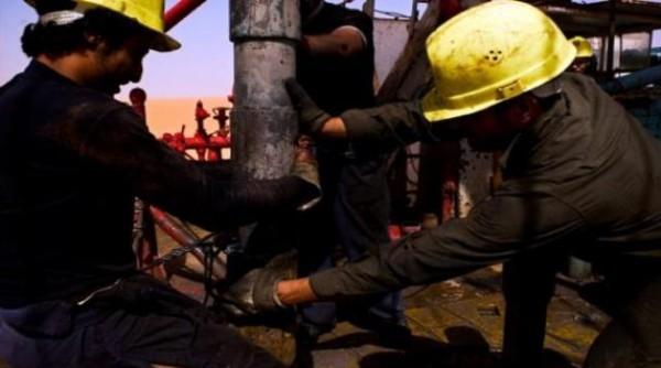 هبوط جديد لأسعار النفط بعد البيانات الصينية وتعطل الإمدادات في ليبيا! - المواطن