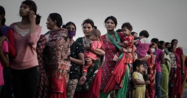 """نازحات نيبال.. صيد سهل لـ""""سماسرة النساء"""" - المواطن"""