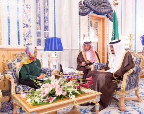 الملك-يستقبل-وزيرة-خارجية-اندنوسيا (1)