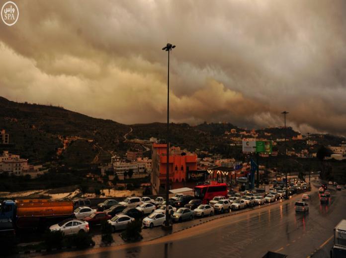 الأرصاد: أمطار رعدية.. وسماء غائمة على معظم مناطق المملكة