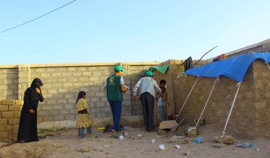 9000 كرتون لحوم من مركز الملك سلمان للإغاثة لـ 27000 أسرة بمأرب
