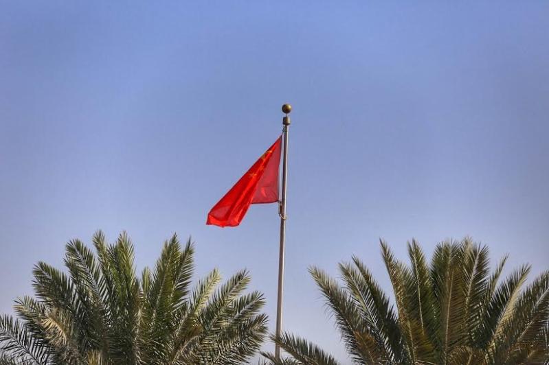 بالصور.. أعلام السعودية والصين تزين شوارع #الرياض