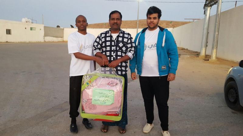 فريق راقي التطوعي يوزع 100 حقيبة ملابس شتوية بالسليل