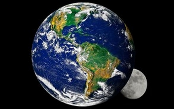 اقتراب القمر كوكب الأرض؟