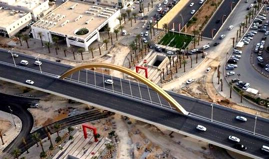 جسر تقاطع طريقي الملك عبدالعزيز والملك عبدالله