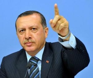 أردوغان يتحدى معارضيه: إذا جمعتم 100 ألف سأجمع معي مليوناً