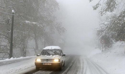 عاصفة قوية تجتاح شمال أوروبا وتتسبب بانقطاع الكهرباء