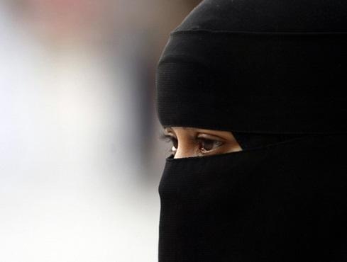 """""""أم محمد"""".. طلقها زوجها وتخلى عن أبنائه السبعة لتتحمل معاناتهم - المواطن"""