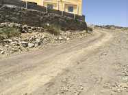 سكان قرية آل محمد بني الحارث ينتظرون السفلتة منذ 7 سنوات