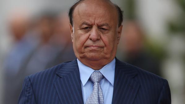 هادي يوجه بفتح جبهات صنعاء.. والحوثي ينقل الأموال وعائلات قياداته إلى صعدة - المواطن
