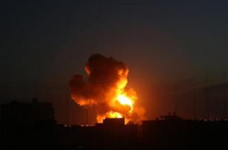 بعد إصابة أربعة جنود.. غارات إسرائيلية على قطاع غزة - المواطن