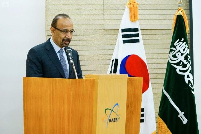 الفالح يلتقي بالمهندسين السعوديين المشاركين بمشروع مفاعل سمارت النووي