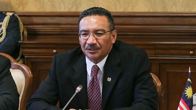 وزير الدفاع الماليزي- هشام الدين حسين1