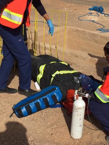 مدني حائل ينفذ خطة إنقاذ شخص سقط داخل بئر1