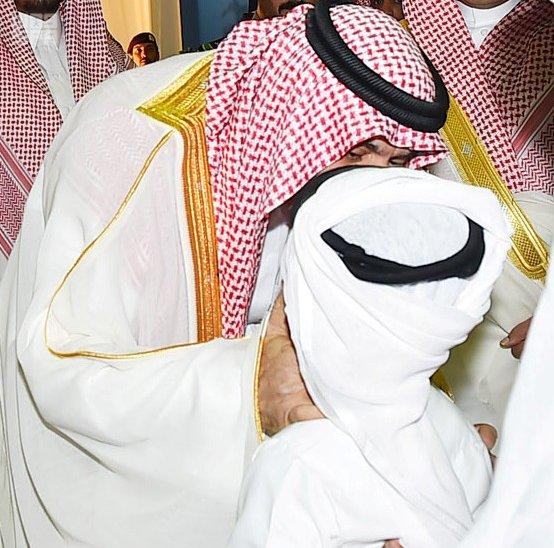أمير نجران ينقل تهنئة الملك للأهالي والجنود المرابطين بالعيد