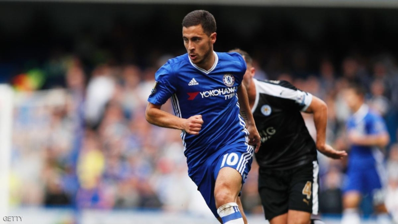 Chelsea's Belgian midfielder Eden Hazard runs with the ball during the English Premier League football match between Chelsea and Leicester City at Stamford Bridge in London on May 15, 2016. / AFP / ADRIAN DENNIS / RESTRICTED TO EDITORIAL USE. No use with unauthorized audio, video, data, fixture lists, club/league logos or 'live' services. Online in-match use limited to 75 images, no video emulation. No use in betting, games or single club/league/player publications.  /         (Photo credit should read ADRIAN DENNIS/AFP/Getty Images)