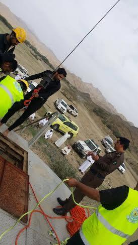 بالصور.. انتشال جثة مواطن من أحد آبار #الباحة