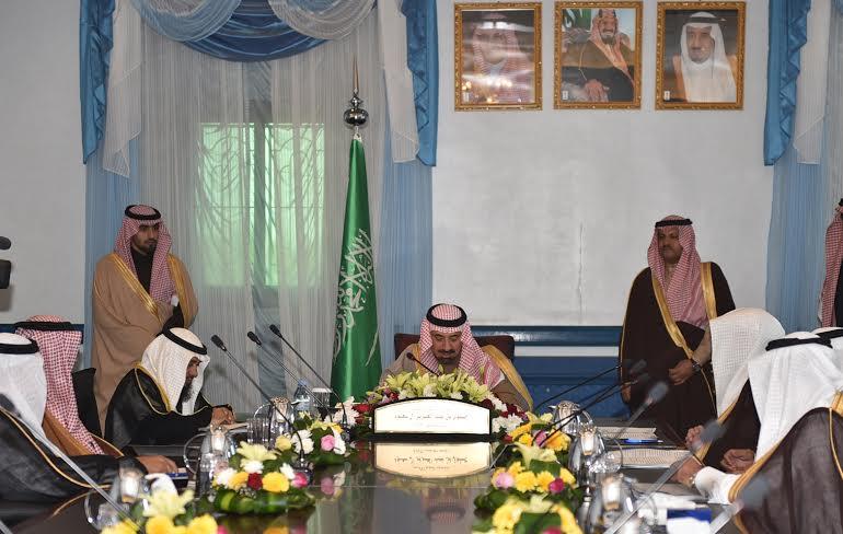 أمير نجران يُشدد على توظيف السعوديين في الجمعيات الخيرية