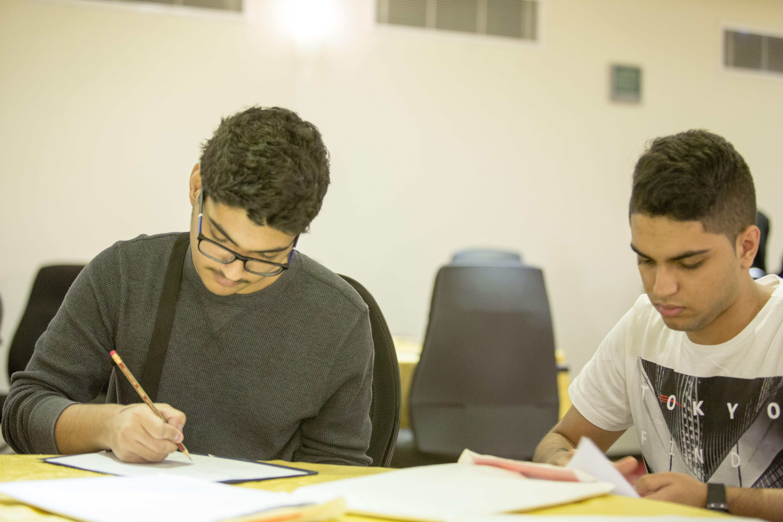 100 سعودي وسعودية ضمن أفضل 800 طالب في العالم يلتحقون بجامعة هارفرد الأمريكية (1)