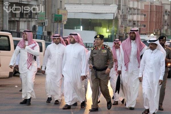شاهد بالصور .. تركي بن عبدالله يقود حملة أمنية في منفوحة