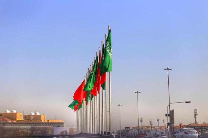بالصور.. أعلام السعودية والصين تزين شوارع #الرياض11