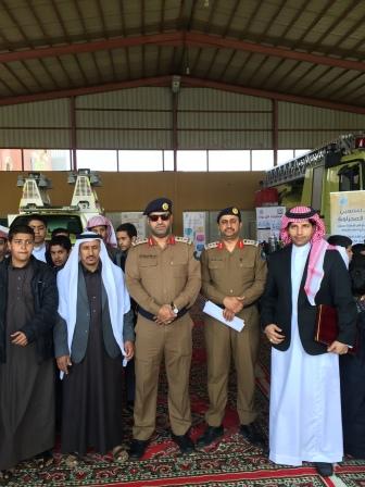 بالصور طلاب المدارس يتعرفون على مهام الدفاع المدني في أحد رفيدة