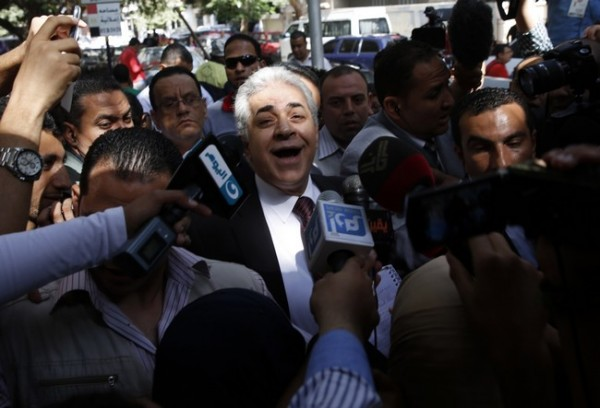 Presidential candidate Sabahi wait to vote in election in Cairo
